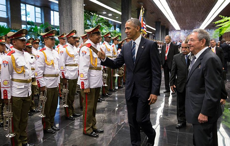 barack_obama_and_ra_l_castro_at_the_palace_of_the_revolutio